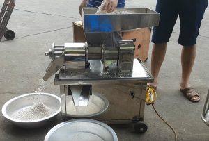 ép nước cốt dừa