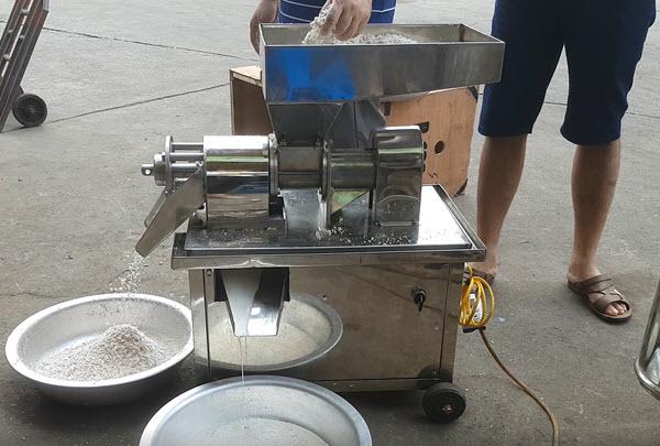 máy ép cốt dừa chạt bằng điện