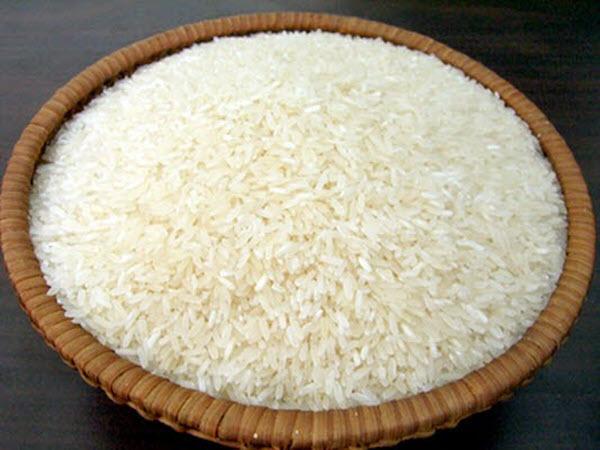 lựa chọn gạo làm bánh cuốn