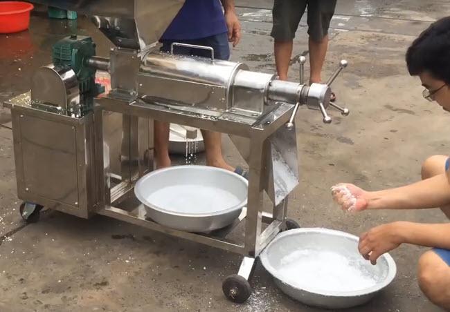 thử ép nước dừa
