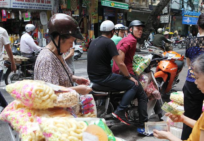 bán bỏng ngô bỏng gạo